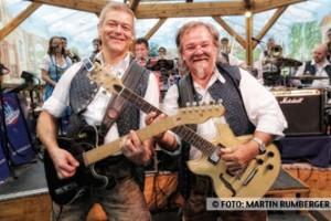 Die Kirchdorfer spielen jeden Tag traditionelle Blasmusik und Wiesn-Klassiker